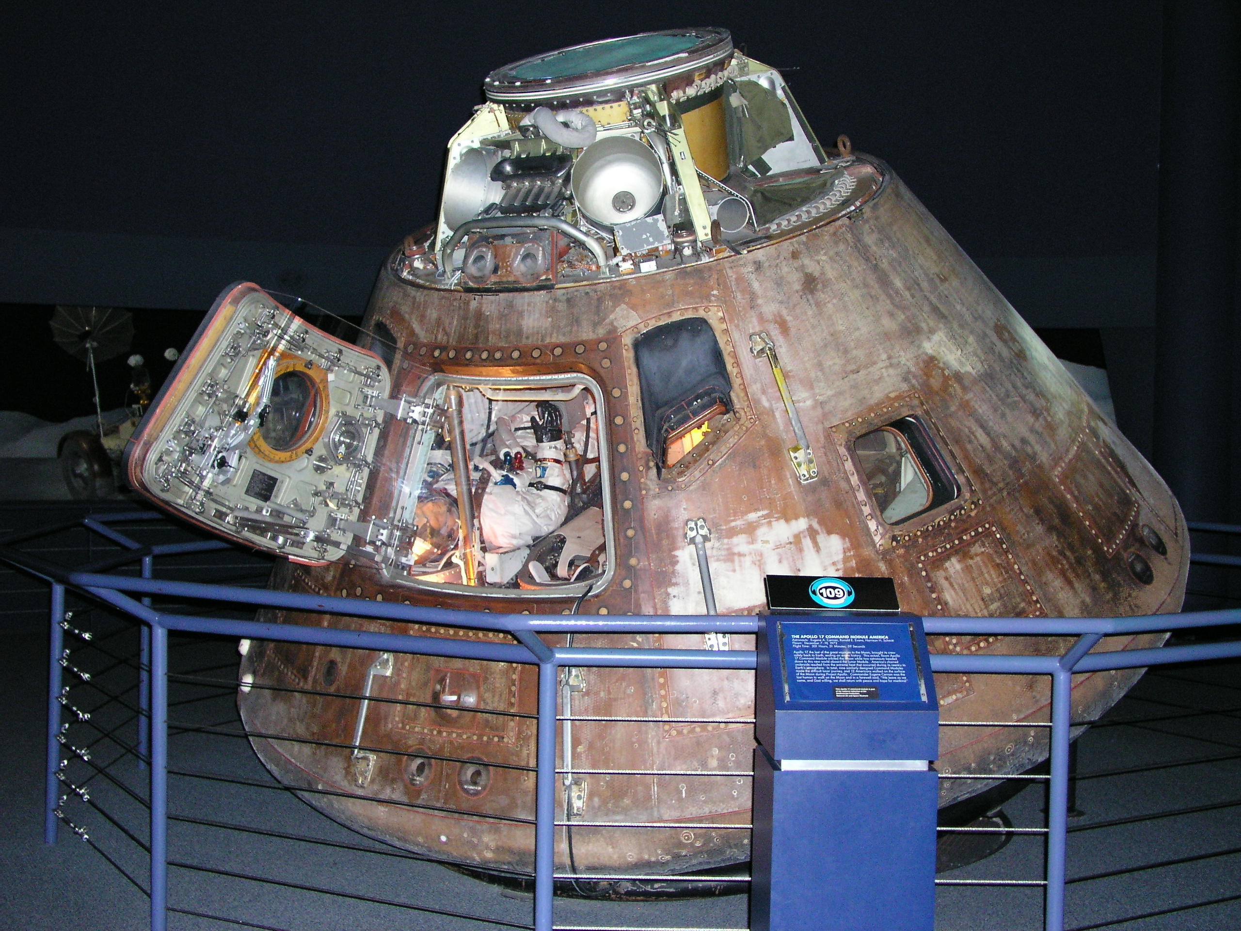 inside apollo capsule houston - photo #42